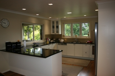 Kitchen (800x533)